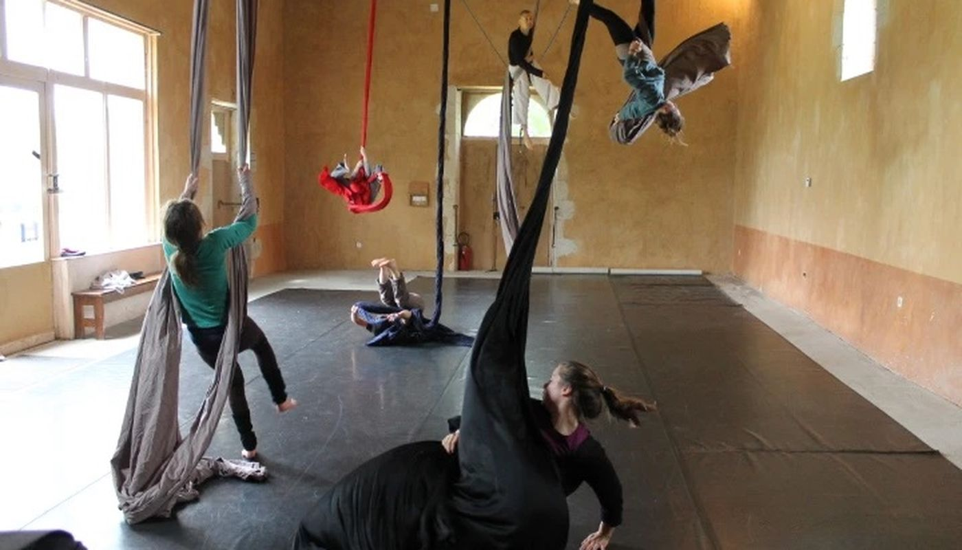 Workshop mixing dance and aerials by Nomad-Philippe Bost - Circus Events - CircusTalk
