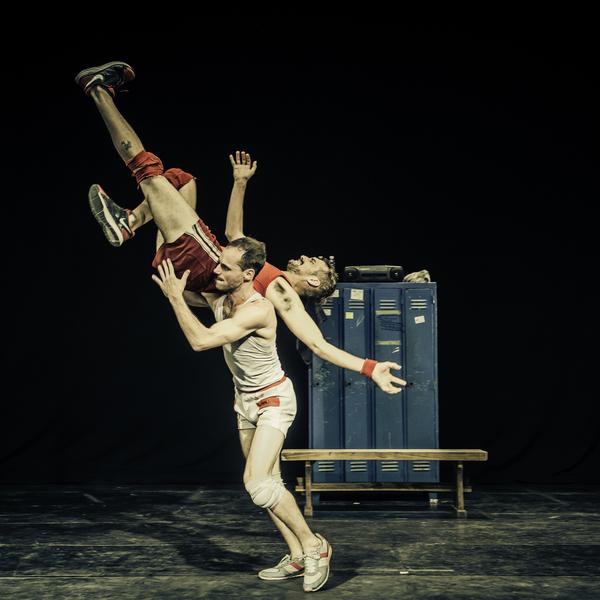 Un Poyo Rojo - Circus Events - CircusTalk