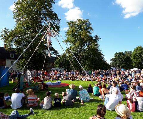 Devizes International Street Festival - Circus Events - CircusTalk
