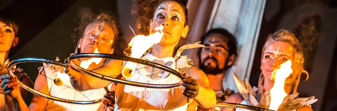 The white Phoenix - Circus Shows - CircusTalk