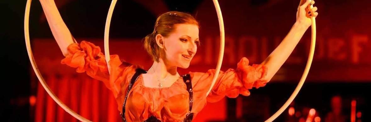 Hula Hoops - Circus Acts - CircusTalk