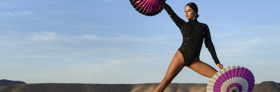 Parasol Magic Act - Circus Acts - CircusTalk