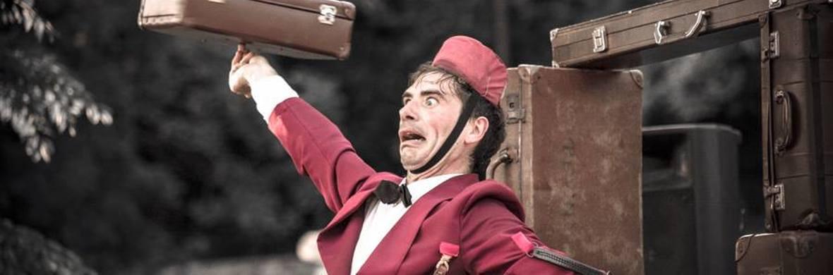 Tutti in Valigia - Everything in a Suitcase - Circus Shows - CircusTalk