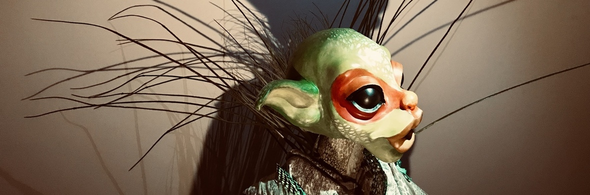 Giant puppet - Ginka - Circus Acts - CircusTalk