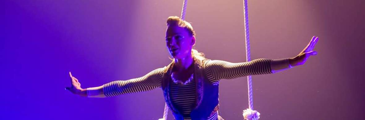 Dance trapeze for cabaret - Circus Acts - CircusTalk