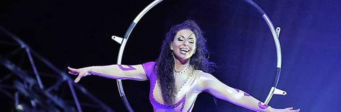 Emi Velkova ::: Aerial lyra - Circus Acts - CircusTalk