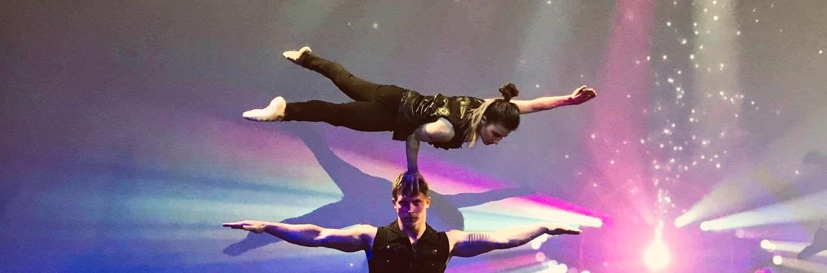 Duo LuAx hand to hand  - Circus Acts - CircusTalk