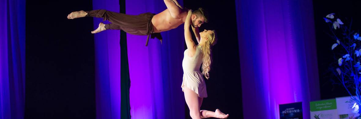Aerial straps duo _Games of Thrones - Circus Acts - CircusTalk