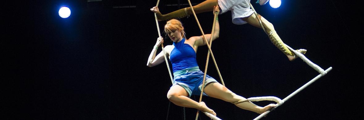 Les Drôles de Dames - Circus Acts - CircusTalk