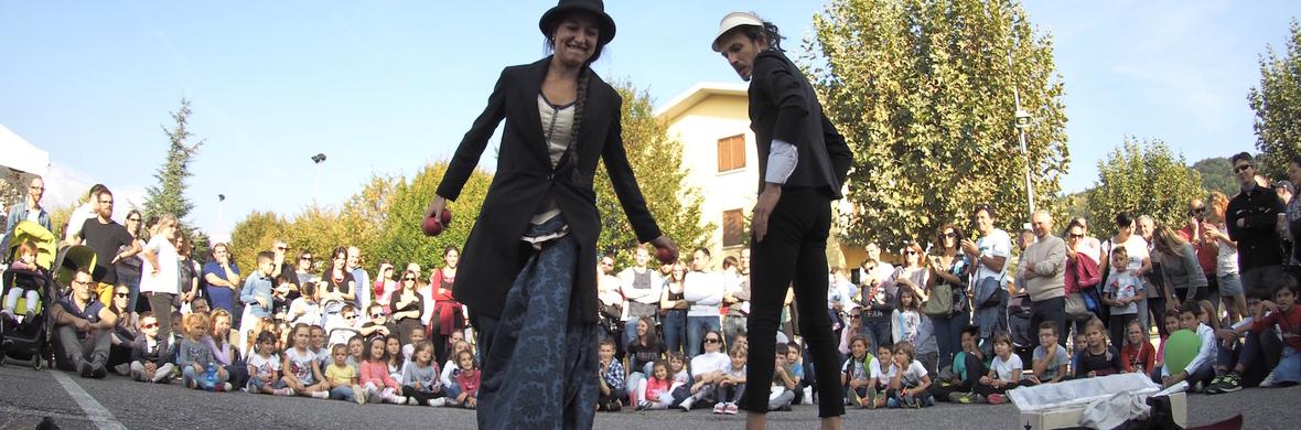 Attenti a quei due / Beware of those two - Circus Shows - CircusTalk