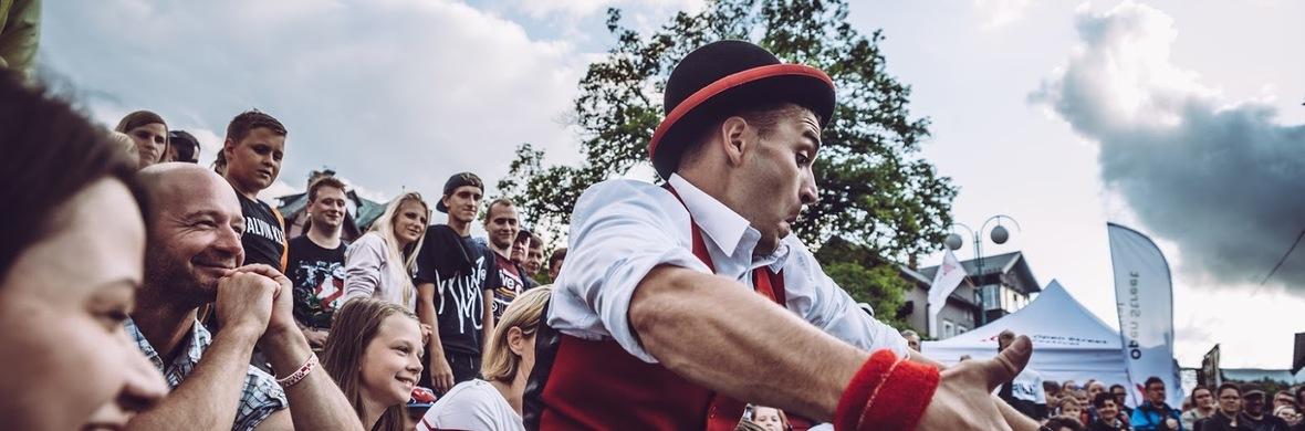 Street Show - Circus Shows - CircusTalk