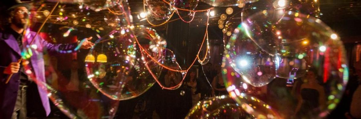 Dr. Bubbles & Team Bubble show - Circus Shows - CircusTalk