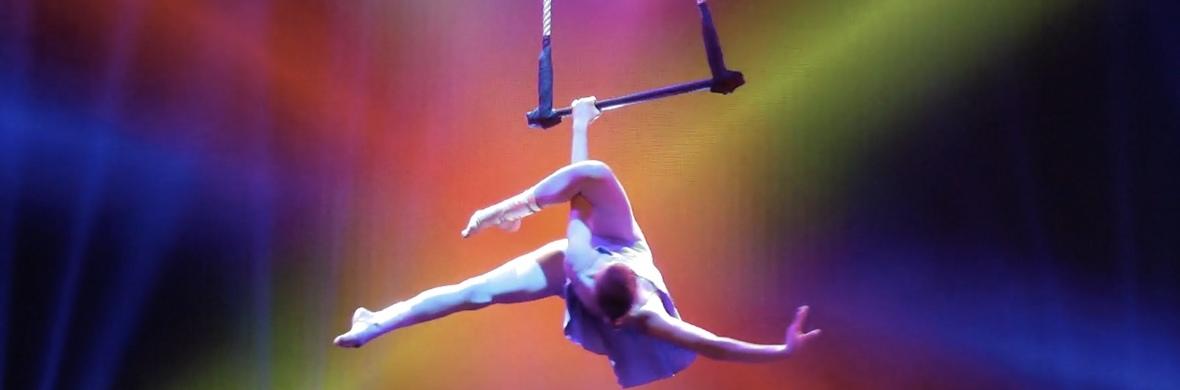 Place de la République  - Circus Acts - CircusTalk
