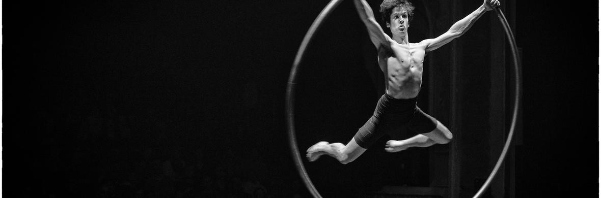 Vincent Bruyninckx - Cyr wheel - Circus Acts - CircusTalk