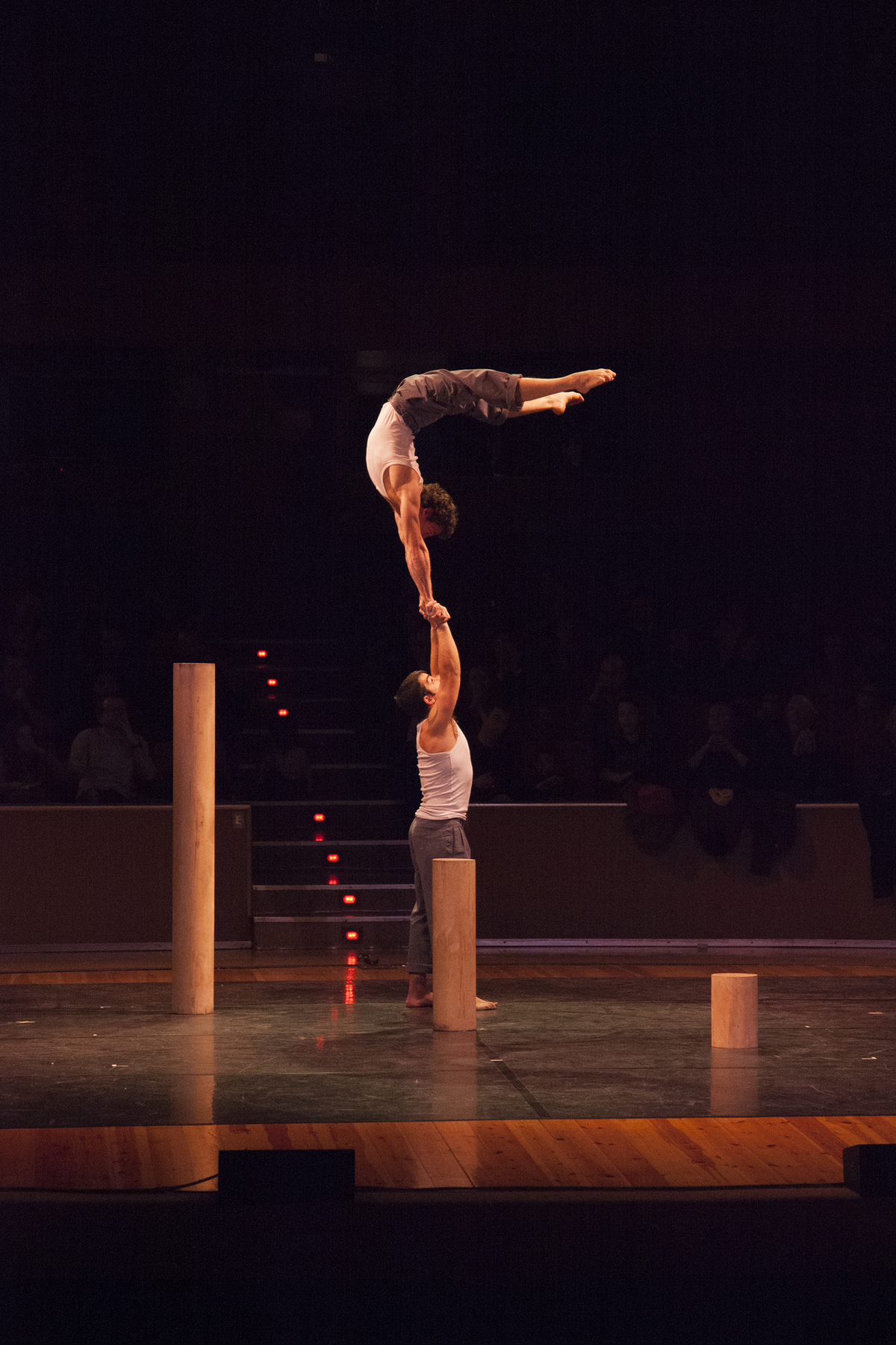 Without feet on the ground - Circus Events - CircusTalk