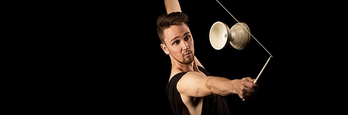 Electric Diabolo - Circus Acts - CircusTalk