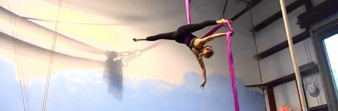 Tissu (Various Routines) - Circus Acts - CircusTalk