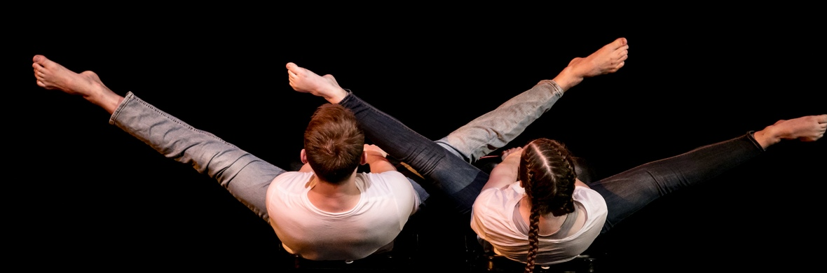 Duo Chairs - Circus Acts - CircusTalk