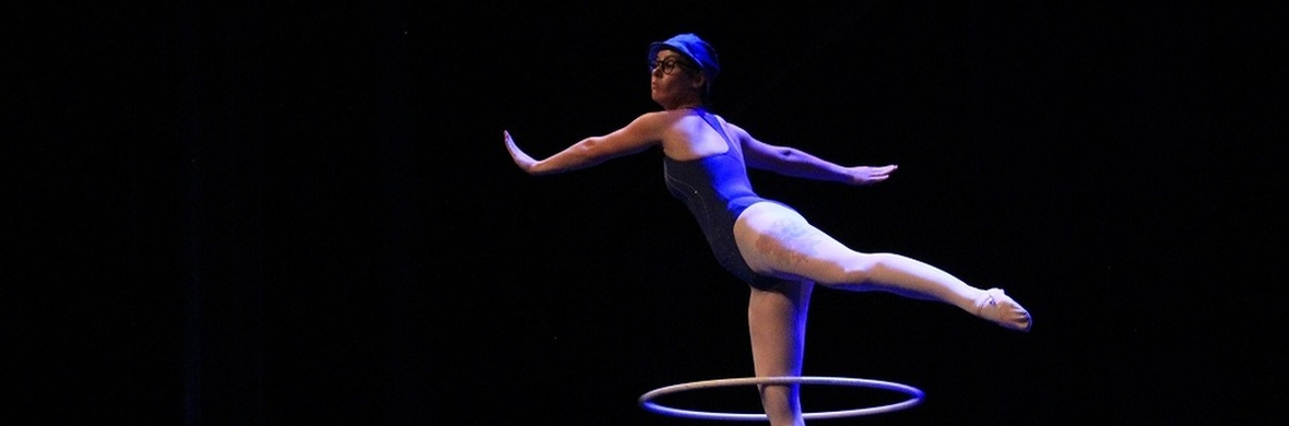 Hula Hoop in E Minor - Circus Acts - CircusTalk