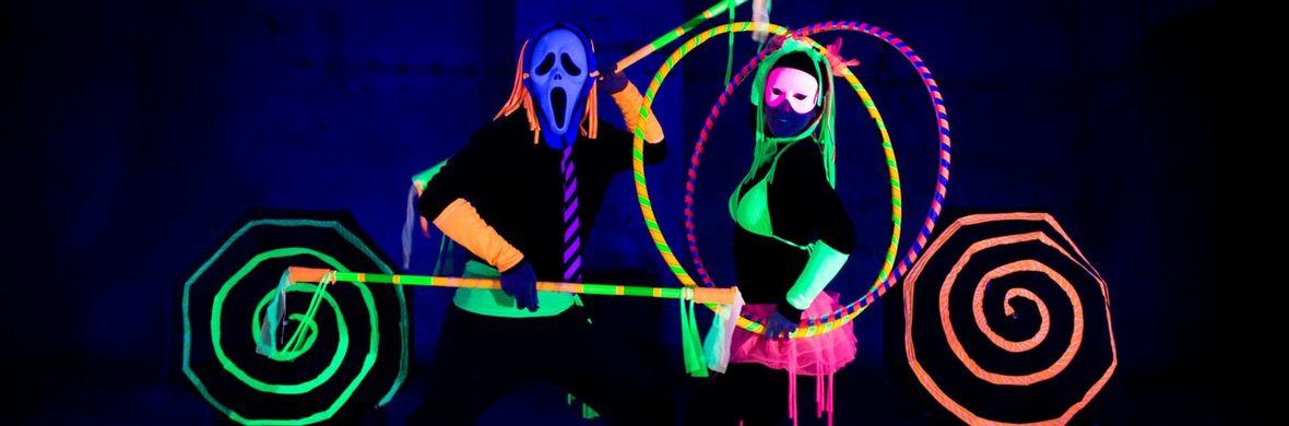 UV black light juggling show - Circus Shows - CircusTalk