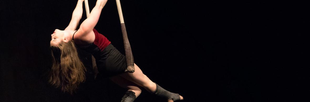 Veronica Dolhain Static trapeze - Circus Acts - CircusTalk