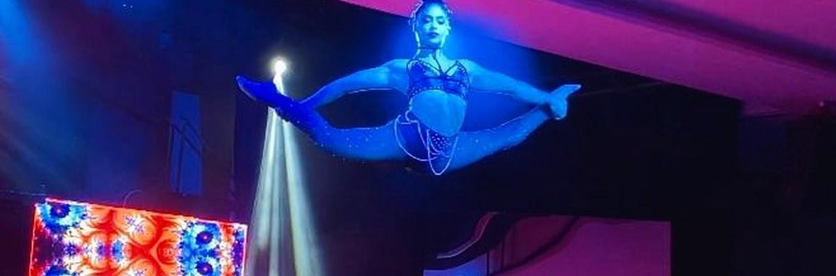 Hairhanging  - Circus Shows - CircusTalk