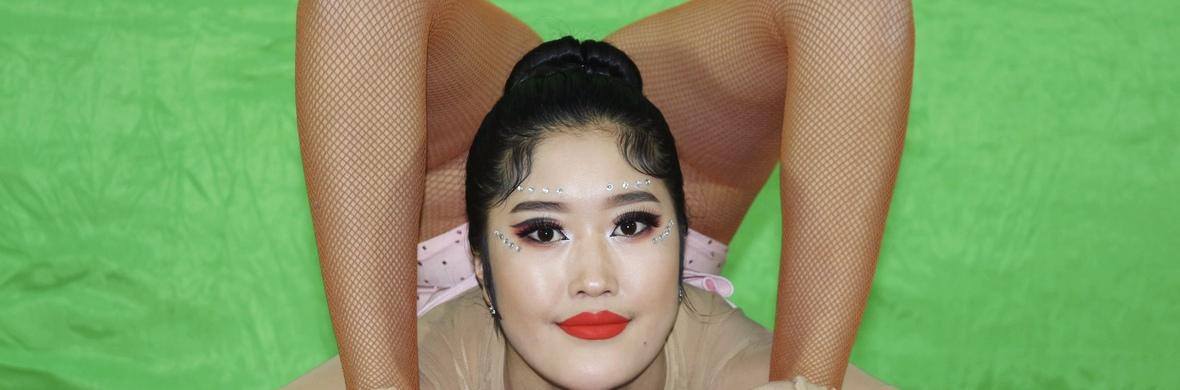 Mongolian solo contortion  - Circus Acts - CircusTalk