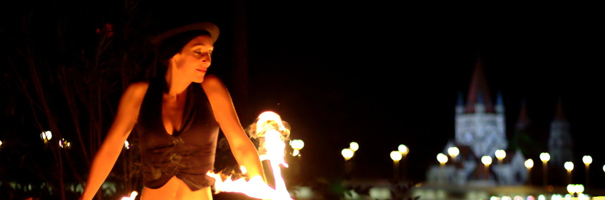 Fire Juggling solo by Zoja - Circus Shows - CircusTalk