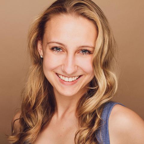 Carly Ameling - Individual - United States - CircusTalk