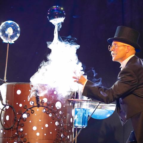Greg Brinchault Bubbleshow - Individual - France - CircusTalk