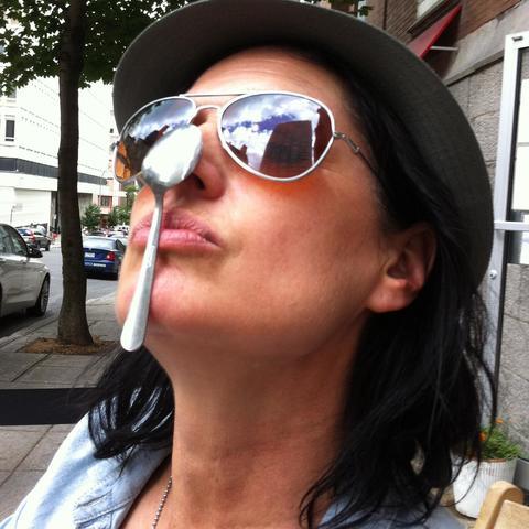 Julie McInnes - Individual - Australia, United States - CircusTalk