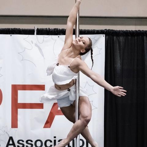 Gabrielle McKinley - Individual - Canada - CircusTalk