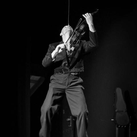 Nellie Finhead - Individual - New Zealand, Zimbabwe - CircusTalk