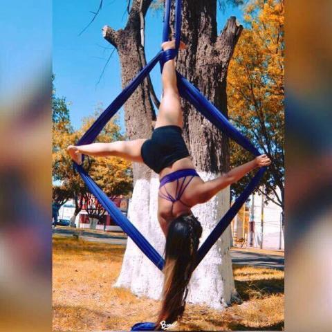 Amnagagi Dancer - Individual - Mexico - CircusTalk