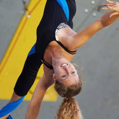 Laetitia Robert - Individual - France - CircusTalk