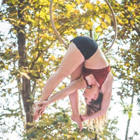 Layla Maeve Tripod - Individual - United States - CircusTalk