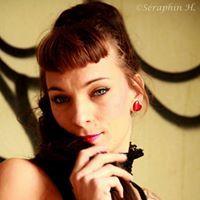 Suzy Plume - Individual - France - CircusTalk