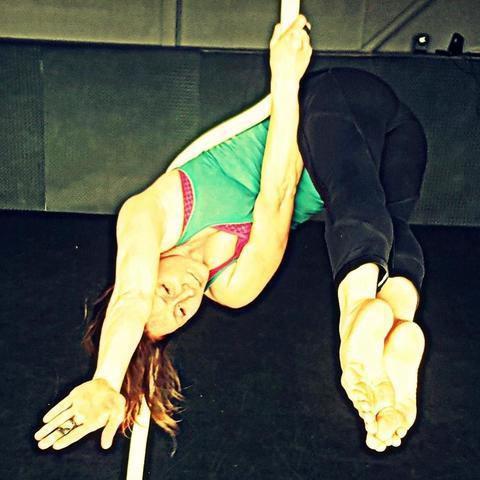 Essy Jay - Individual - Australia - CircusTalk