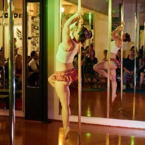 Ciuri Nolan - Individual - Australia, United Kingdom - CircusTalk
